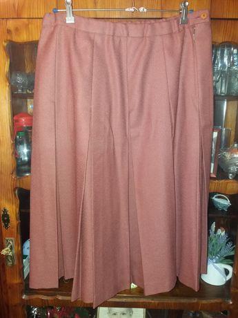 Kamizelka i spódnica