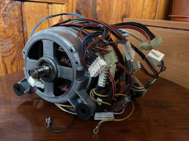 Мотор от стиральной машинки indesit WISL 105 X
