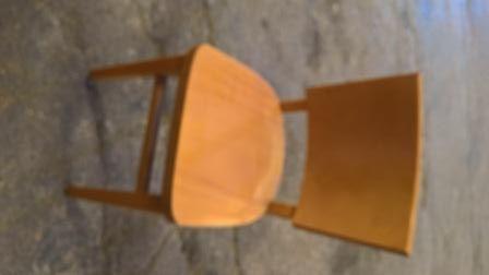 Mesa e cadeiras de café