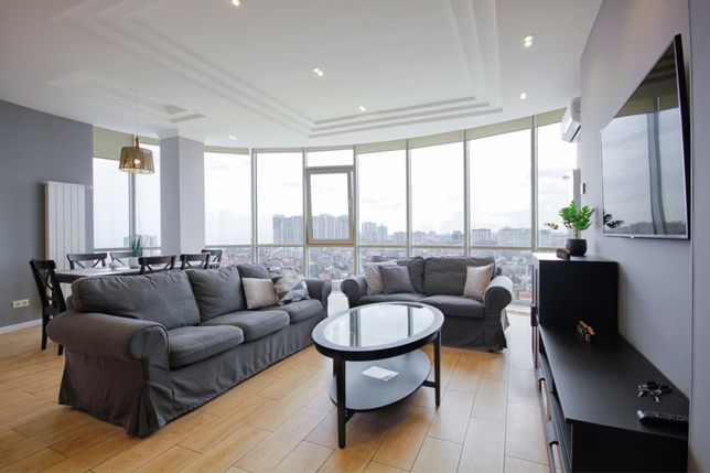 Сдам свою 4-х комнатную квартиру в Аркадии с видом на море. 120 м.кв.