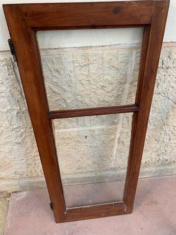 Janelas em madeira com vidro