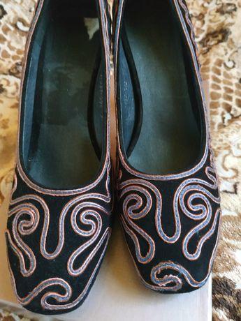 Женские туфли37 размер