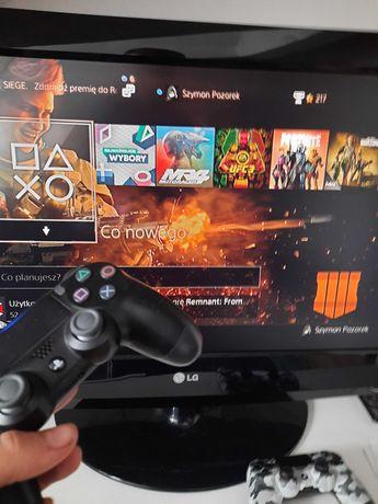 Konsola Playstation 4 Pro 1TB + 2 pady + 2 gry