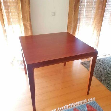 Mesa jantar extensível em Cerejeira