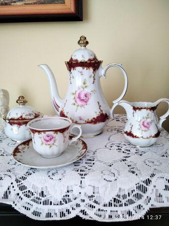 Przepiękny komplet porcelanowy