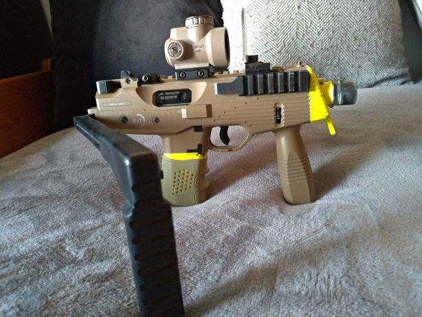 MP9 A1 KWA (ASG) + Silenciador + 5 carregadores