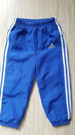 Adidas- sliczne spodnie 92 cm nowe