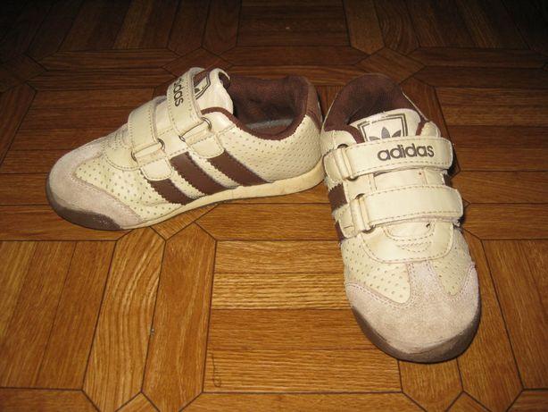 Кроссовки Adidas 17 см стелька, дешево, для дома