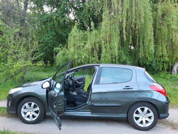 Peugeot 308 машина