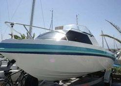 Barco Riamar 600 cabinado