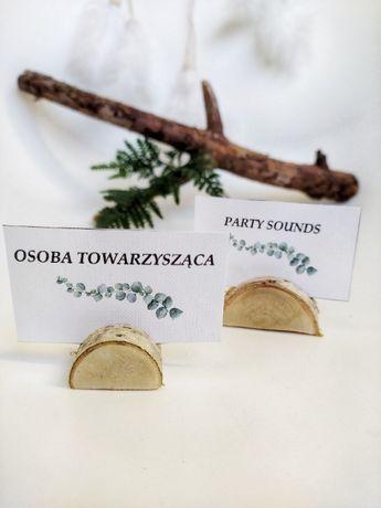 Krążki stojaczki drewniane pod winietki ślubne różne rodzaje