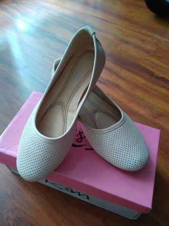 Buty dziewczęce r.35