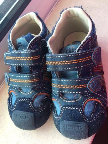 Sapatos Chicco tamanho 23