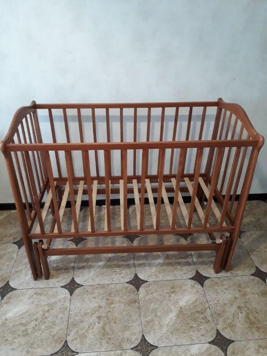 Продам детскую кроватку с маятником Николаев - изображение 1