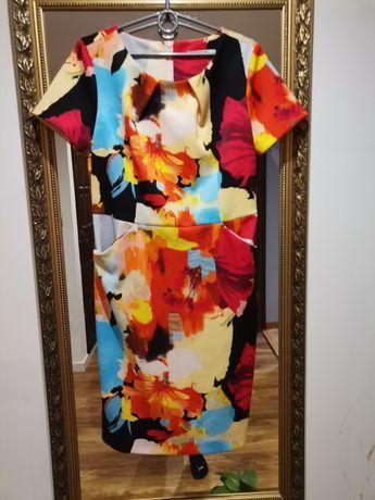 Sukienka w kwiaty kolorowe Quiosque