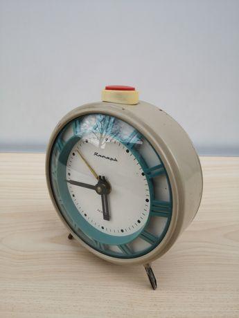 Часы настольные Янтарь 4 камня