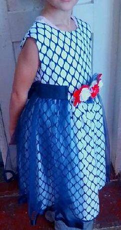 Продам красивое платье для девочки