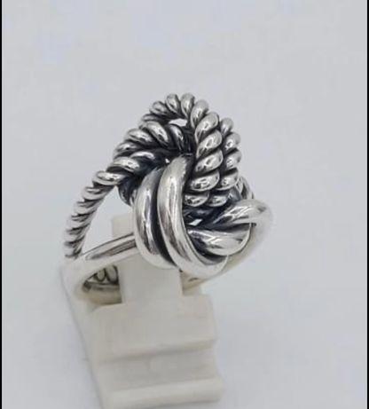 Anel em prata 0.25 kt interligados e Anel Purificacion Garcia .
