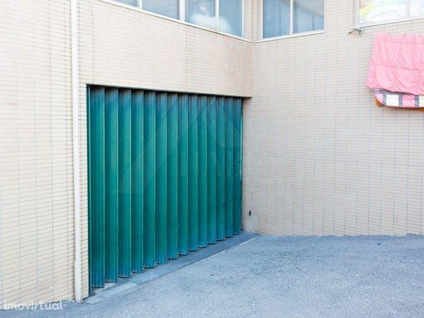 Garagem/Armazém 460m2  Celeirós   Braga