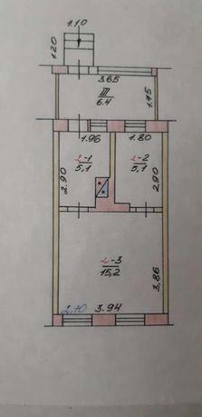 2 комнатная небольшая квартира в центре Золочева под ремонт с участком