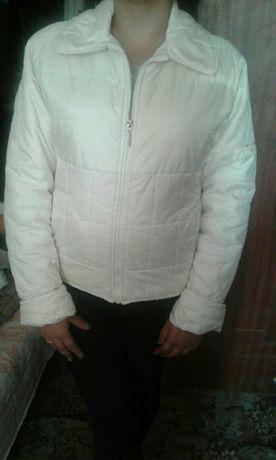 Куртка белого цвета. Женские вещи/ Женская одежда размер 46- 48;