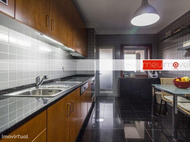 Apartamento T2 no Condomínio Brandinhães Parque na Maia