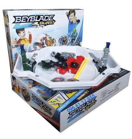 Набор Beyblade Бейблейд: арена с механическими ловушками + 2 бейблейда