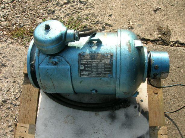 Silnik prądu stałego PZOKb 32 b Prądnica Komel 0,71KW 220V