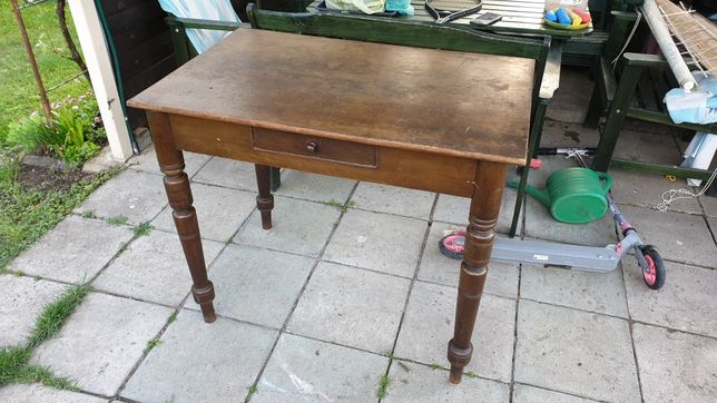 Stół zabytkowy ponad 100 letni