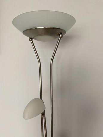 Lampa podłogowa z regulowanym natężeniem światła
