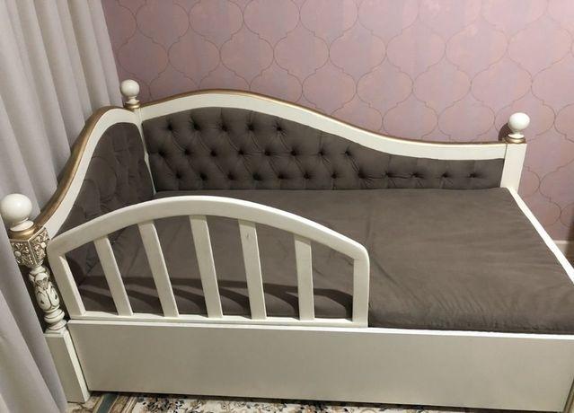 Продам детский диван кровать