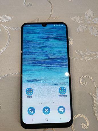 Smartfon Samsung Galaxy A50 4 GB / 128 GB niebieski