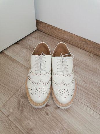 Półbuty/buty rozm 39