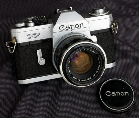 Canon FP + Canon 50mm - 1.4 + Fotómetro