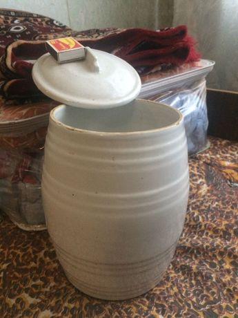 Кувшин-ваза с крышкой