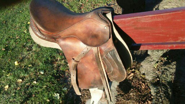 siodło konne jeździeckie