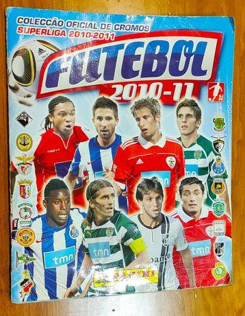 Vendo ou troco caderneta completa Liga Futebol 2010-11 Panini