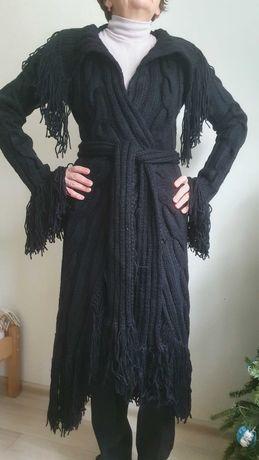 Вязанное шерстяное пальто с бахромой, 46-48 р.