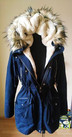 Czarna parka Bershka S z futerkiem podwójna ciepła kurtka zima kaptur