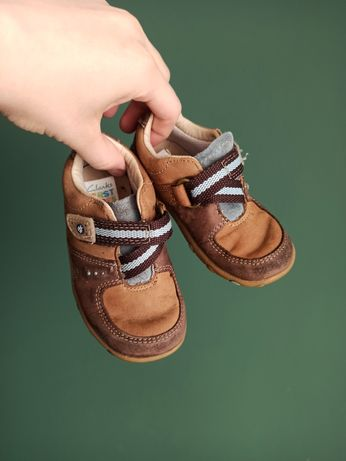Clarks first shoes 22 skorzane półbuty wsuwane