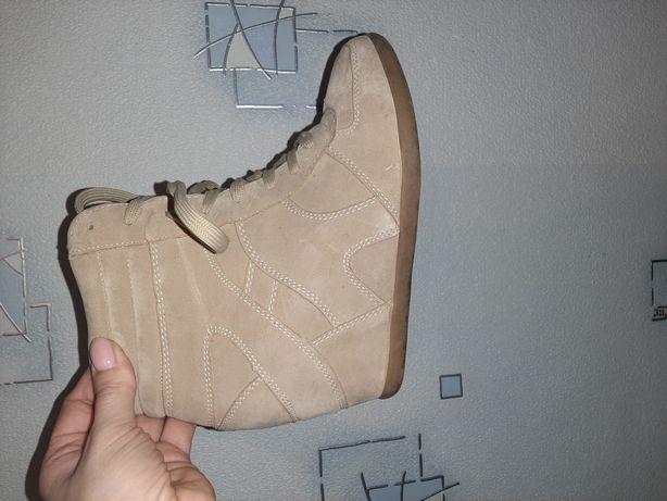 Продам сникерсы(замшевые),кроссовки,туфли