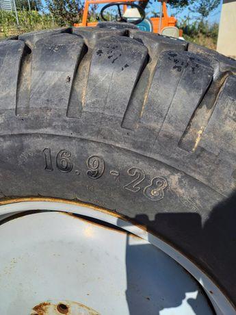 Rodas e pneus trator relva