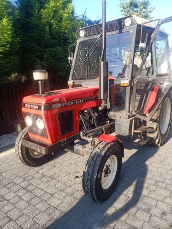 Zetor 7211 traktor czerwony