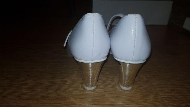 Witt buty ślubne srebrny obcas białe