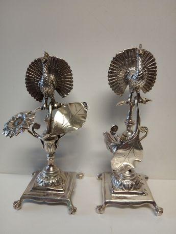 2 antigos paliteiros com pavões-prata portuguesa javali-cabeça pombo