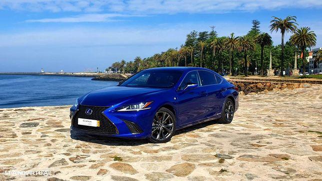 Lexus ES 300h F Sport+