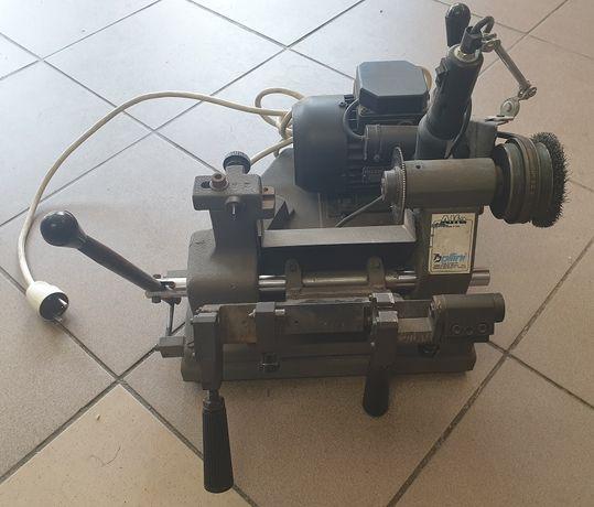 Maszyna frezarka do kluczy podklamowych twardych