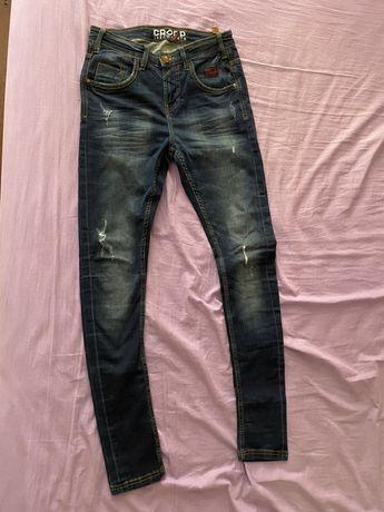Продаю джинсы разм 28