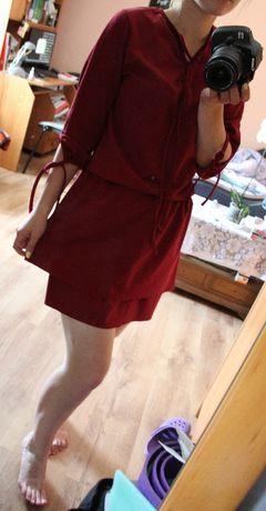 rozkloszowana bordowa sukienka z falbanką must have s m