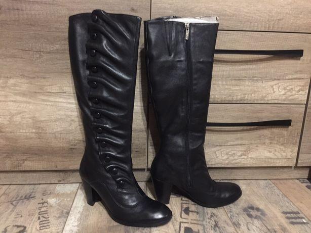 Buty zimowe kozaki damskie Lasocki rozmiar 38 czarne jak nowe skóra